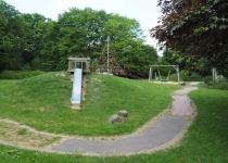 Schulgarten Spielgeräte